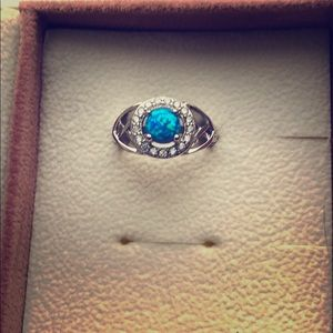 Fragrant Jewels ring size 5 blue earth